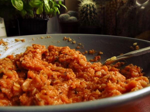 Pasta pomidorowa z soczewicą