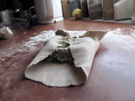 Wegańskie chaczapuri ze szpinakiem